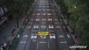 La calle Bravo Murillo, en Madrid, pintada por los activistas de Greenpeace