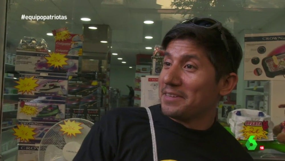 Un Ecuatoriano Colabora Con Hogar Social Yo Cumplo Dando Mi