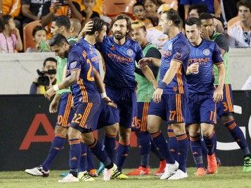 Los jugadores del New York City celebran el gol de David Villa ante el Houston Dynamo