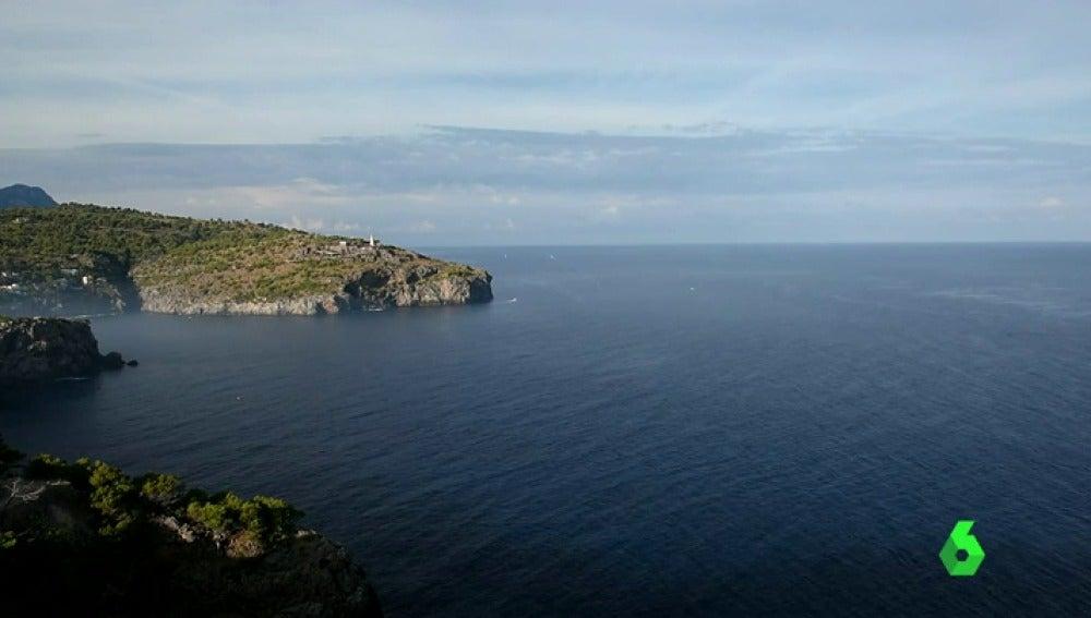 Frame 1.773804 de: Las aguas que bañan las costas baleares, declaradas primera 'zona de esperanza' del Mediterráneo