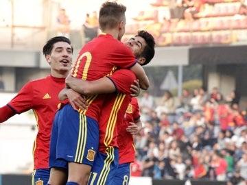 Jugadores de la Sub-21 celebrando un gol a Estonia