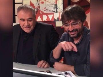 """Frame 47.822729 de: Jordi Évole descubre el 'pactómetro' de Ferreras: """"Acabo de hacer un Gobierno con PP, PSOE, PDC y EH Bildu"""""""