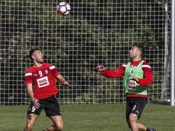 Sergi Enrich y Antonio Luna entrenan con el Eibar