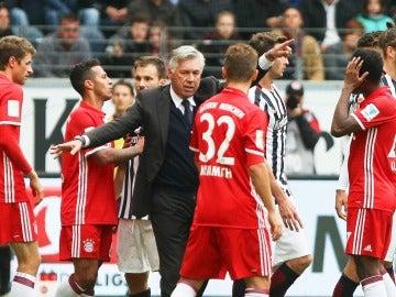 Carlo Ancelotti, durante el partido entre Eintracht y Bayern