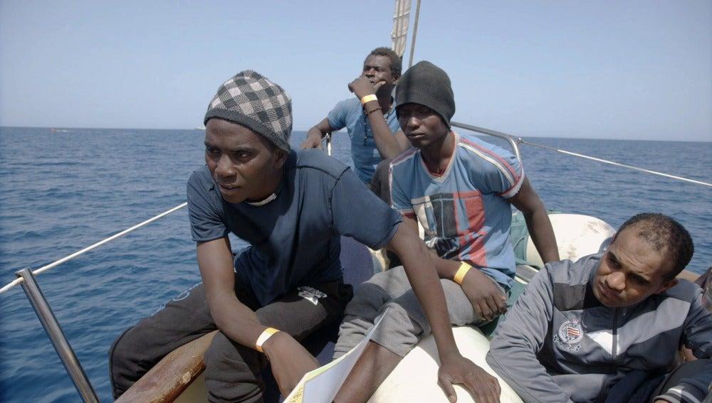 Un refugiado, a bordo del Astral