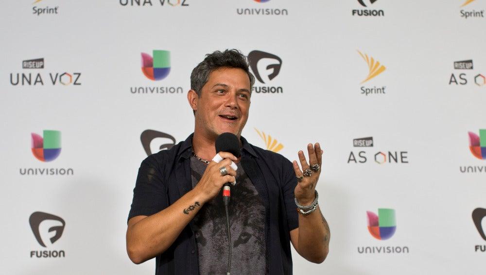 """El cantante español Alejandro Sanz participa del concierto """"Rise Up As One"""" celebrado en la frontera entre México y Estados Unidos, para reivindicar la diversidad, unión, y respeto a las diferencias"""