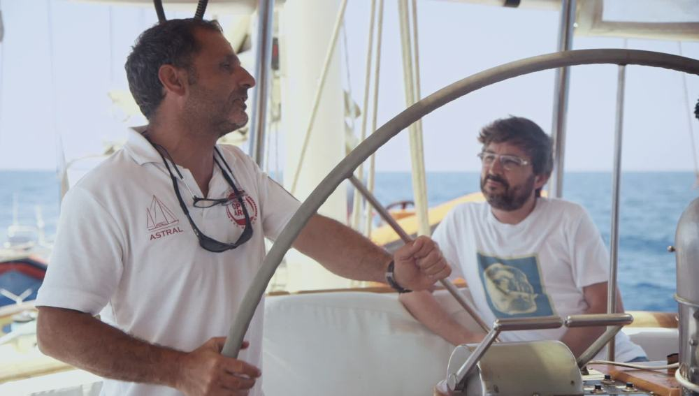 Jordi Évole entrevista a bordo del Astral a Andreu Rul·lan