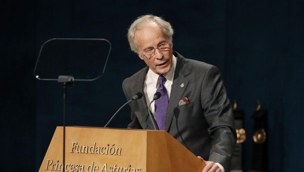 El escritor Richard Ford, premio Princesa de Asturias de las Letras, durante su discurso en la ceremonia de entrega de los Premios Princesa de Asturias 2016