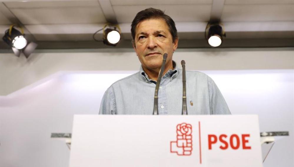 Javier Fernández en rueda de prensa tras el Comité Federal