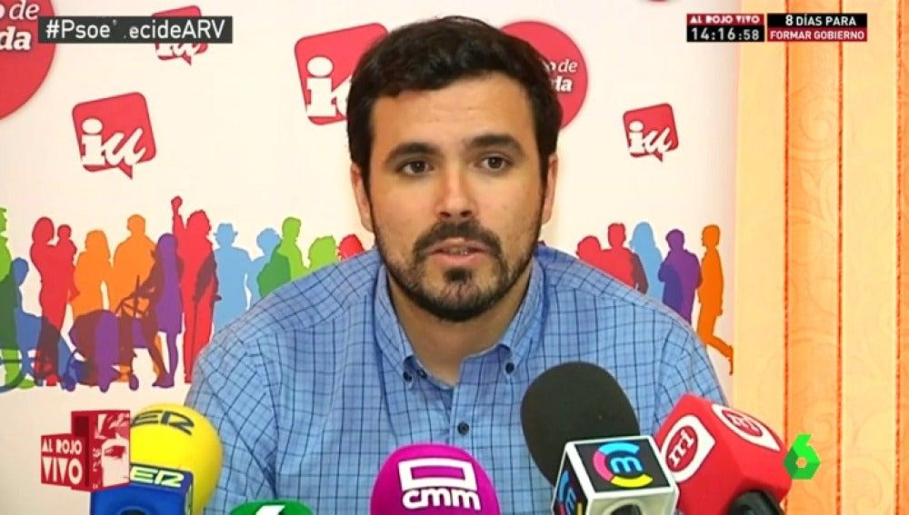 """Frame 20.397075 de: Garzón acusa al PSOE de """"blanquear"""" al PP, el """"partido más corrupto de la UE"""""""