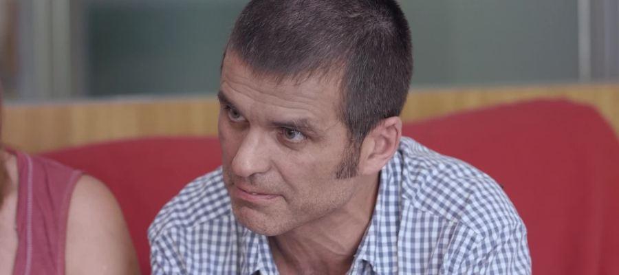 """Carlos Martínez, enfermo de ELA, reivindica el derecho a la eutanasia: """"Lo mío es una muerte en vida"""""""