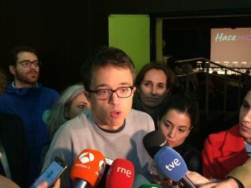 Íñigo Errejón antes de un taller informativo de Podemos