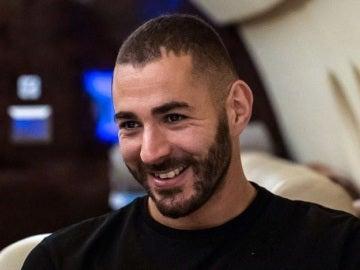 Karim Benzema, sonriente a pesar de su ausencia en la lista de finalistas del Balón de Oro