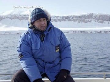 """Javier Arjona, guía: """"En esta época ni podríamos entrar. Lo hacemos porque hace años habría cinco veces más hielo"""""""