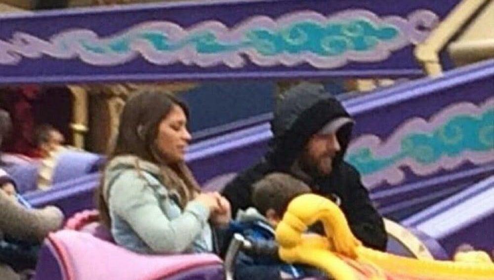 Leo Messi en Disneyland París junto a su familia
