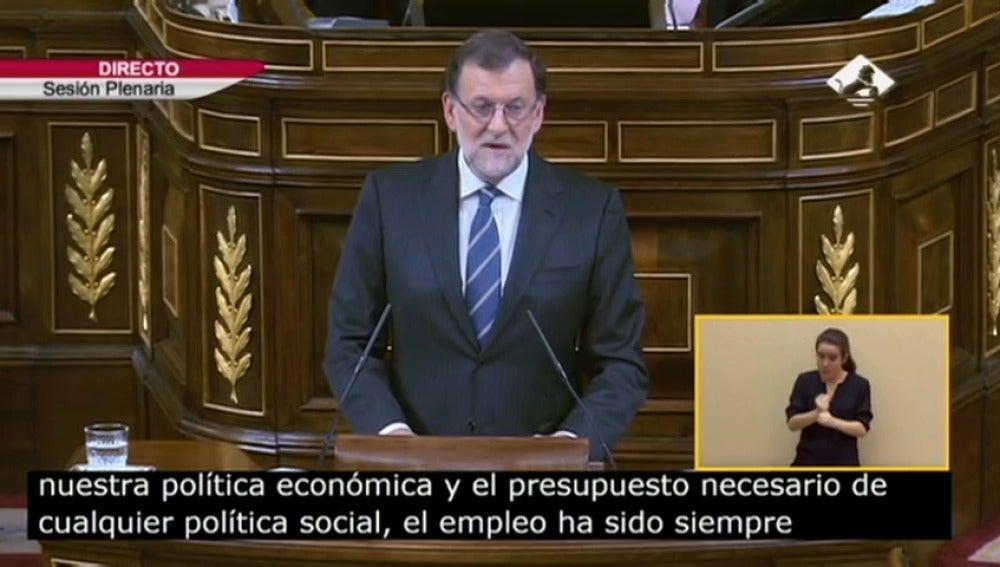"""Frame 0.0 de: Rajoy: """"A finales del año 2011 en España se destruían 1.400 empleos, hoy cada día encuentran trabajo 1.400 personas"""""""