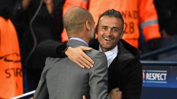 El abrazo entre Luis Enrique y Pep Guardiola