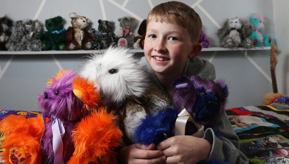 Campbell, el niño que cose peluches para niños enfermos