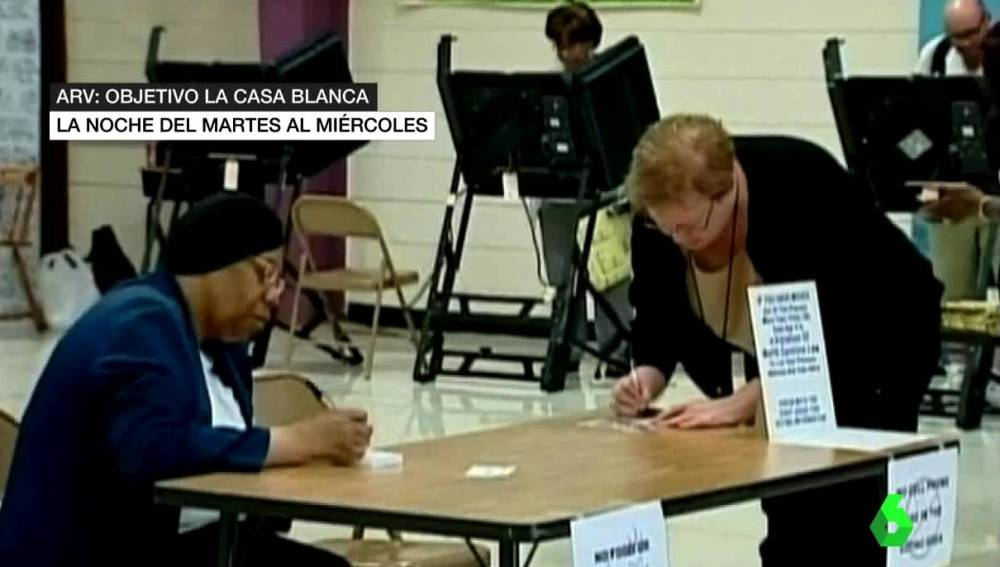 Gente votando en EEUU