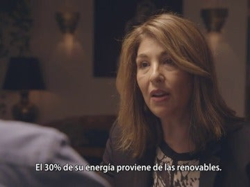"""Frame 33.505252 de: Naomi Klein: """"España es un ejemplo claro de cómo la lógica de la austeridad es un ataque a la gente y al planeta"""""""