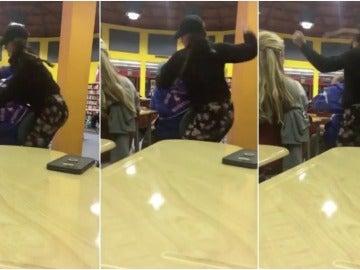 Una joven golpea a otro chico porque no le gusta su tono de llamada