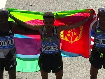 El podium masculino de la Maratón de Nueva York