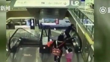 Accidente en unas escaleras mecánicas de China