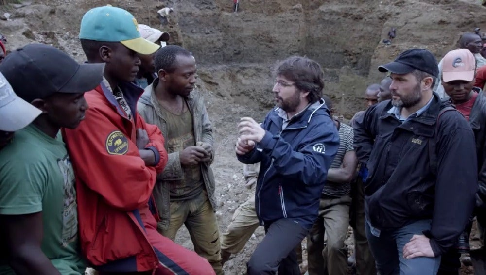 Frame 11.972867 de: ¿Hay diferencias entre las minas 'verdes' y las 'rojas'? El silencio de un minero a la pregunta de Jordi Évole