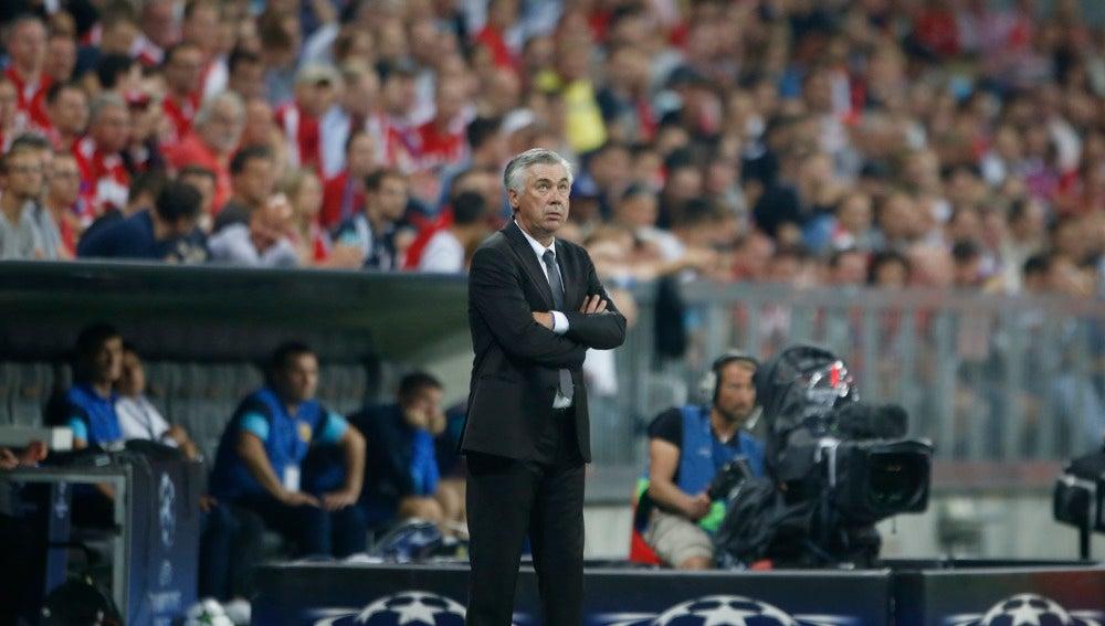 Carlo Ancelotti durante un partido de Champions