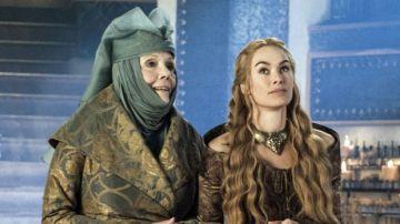 Lady Olena Tyrell y Cersei Lannister en 'Juego de Tronos'