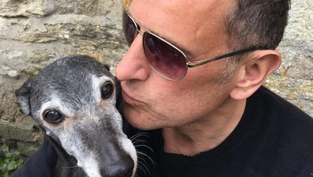 Mark Woods y su perro Walnut