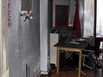 Aspecto de la casa tras el incendio por una vela