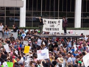 Manifestantes protestan por el resultado de elección de Donald Trump