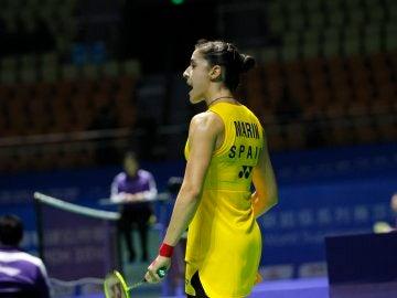 Carolina Marín celebra un punto durante su debut en el Abierto de China