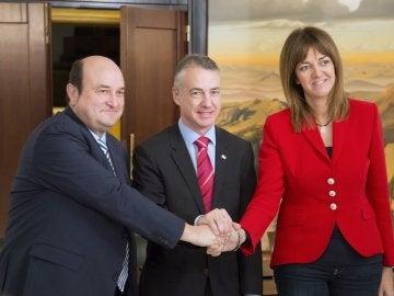 Andoni Ortuzar, Iñigo Urkullu y la secretaria general del PSE-EE, Idoia Mendia