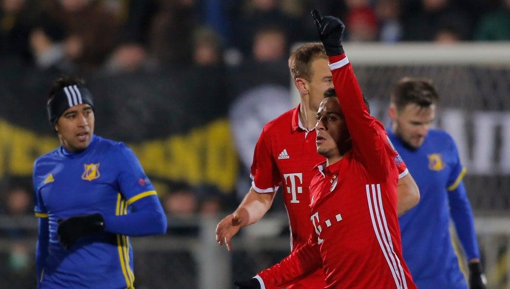 Thiago, durante el partido contra el Rostov