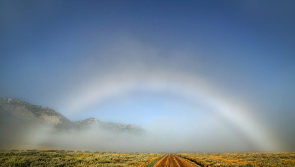 El bello y extraño arcoiris blanco