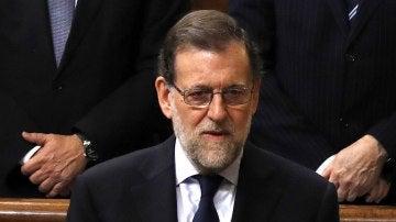 Mariano Rajoy durante el minuto de silencio a Barberá en el Congreso