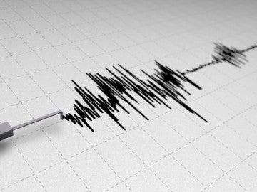 Sismógrafo registrando un temblor de tierra.