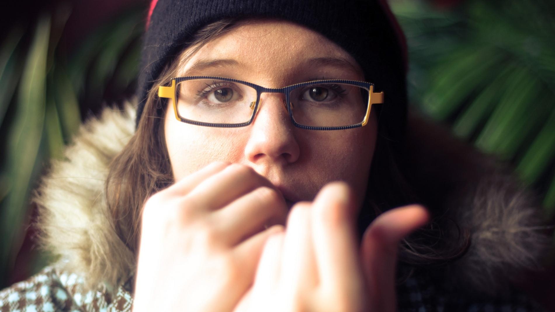 Casi la mitad de los adolescentes se muerde las uñas