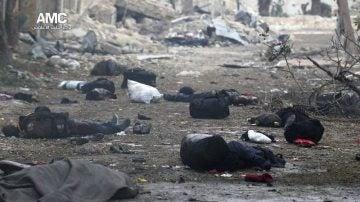 Los cadáveres se amontonan en el barrio de Yeb al Quebeh de Alepo