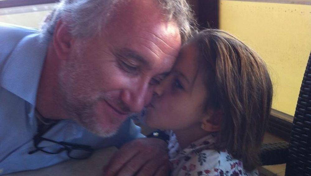 La niña Nadia Nerea, que sufre tricotiodistrofia