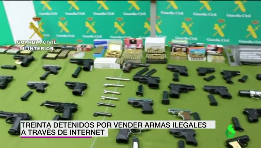 Frame 19.389162 de: Detenidos 30 miembros de una organización por vender armas ilegales a través de Internet