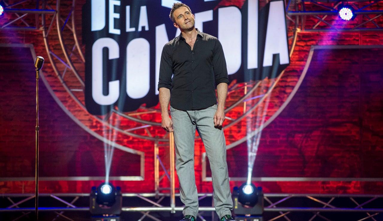 Fernando Gil sobre las tablas de El Club de la Comedia