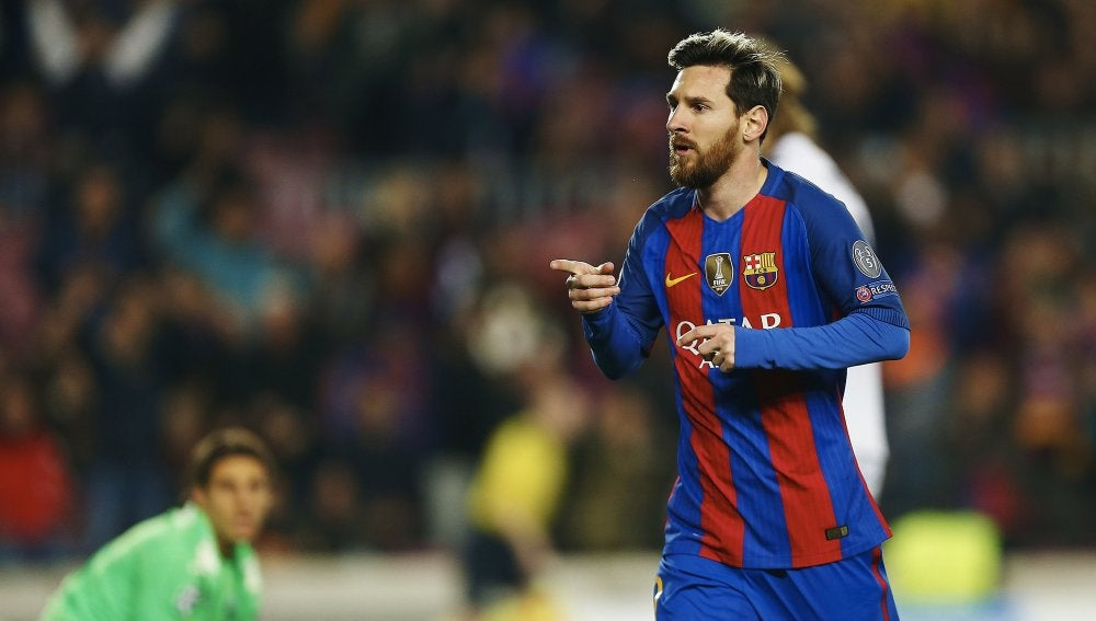 Leo Messi celebra su gol al Gladbach