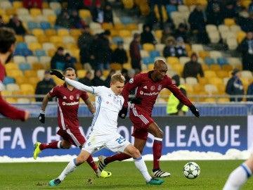 Momentos del encuentro entre el Dinamo de Kiev ante el Besiktas