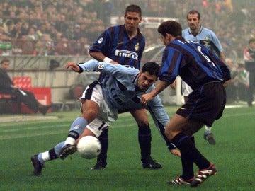 Simeone y Zanetti, durante su época en el Inter de Milán
