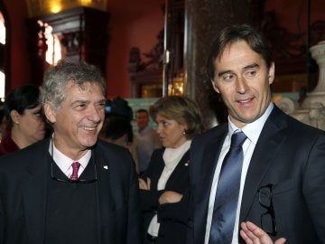 Julen Lopetegui, seleccionador nacional, junto a Villar