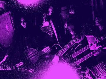 Merzbow es pionero en el noise experimental y su música es muy bestia.