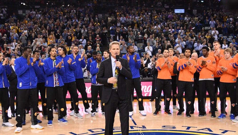 Homenaje a Craig Sager en el Oracle Arena